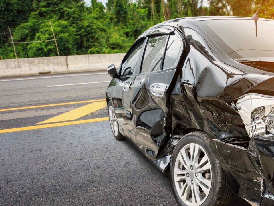 Fraude de Concesionarios de Vehículos por Colisión Vehicular